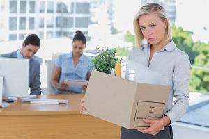 Увольнение на испытательном сроке: могут ли рассчитать из организации в это время, разрешено ли уйти самому и как необходимо уведомлять об уходе