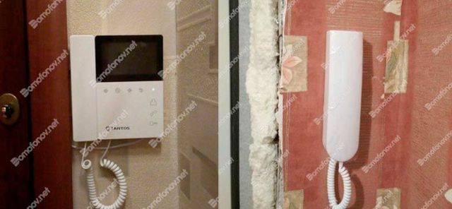 Не работает домофон: причины, почему возникают неполадки в квартире и подъезде, куда обратиться и кому звонить, если сломалась трубка?