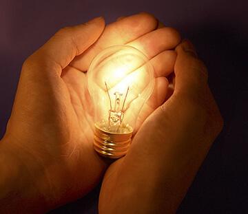 Имеет ли право управляющая компания отключать свет, как действовать, если пришли из УК, чтобы приостановить подачу электроэнергии?