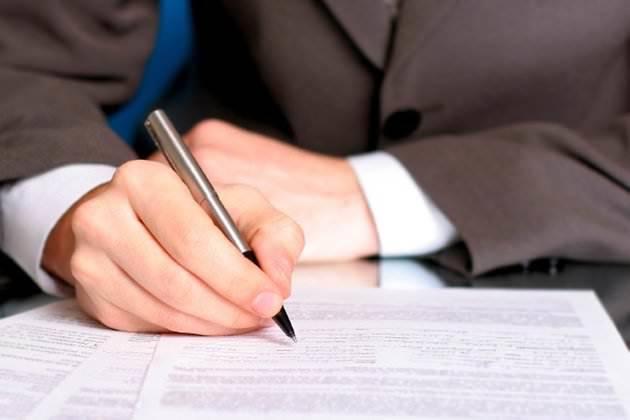 ГПД с физическим лицом на оказание услуг: что это и чем регулируется, какие особенности оформления и расторжения, а также образец гражданско-правового договора