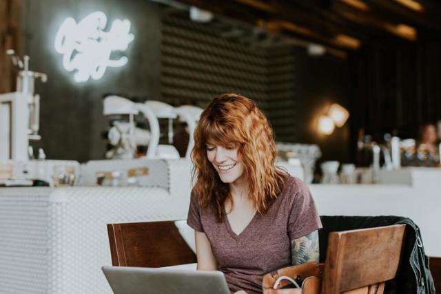 Где можно продавать вещи в интернете: популярные сайты и платформы для онлайн-торговли своими товарами, а также советы, с чего лучше всего начать бизнес новичку
