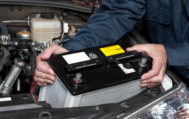 Срок службы автомобильного аккумулятора: как определить средний период годности АКБ, где узнать расшифровку даты выпуска (изготовления) и время эксплуатации по ГОСТу