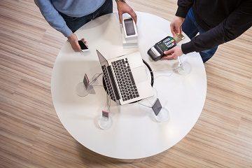Можно ли вернуть в магазин планшет и ноутбук, купленный по гарантии: возврат денежных средств или замена, если он не понравился и получается ли это по интернету?