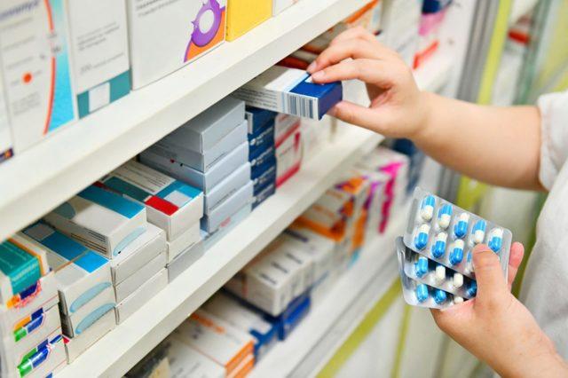 Документы, подтверждающие качество товара: бумаги удостоверения продукции, лекарственных и иных средств аптечного ассортимента, а также роль паспорта и сертификации