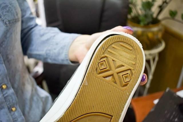 Возврат товара в магазин Адидас (adidas): сроки заявления на сдачу кроссовок по гарантии и вернут ли деньги, если обувь порвалась, как отменить заказ по интернету?