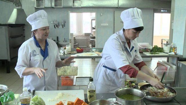 Должностная инструкция повара и шеф-повара: права и обязанности сотрудника столовой, ресторана, кафе, особенности работы в детском саду (ДОУ) и школе