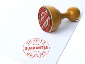 Возврат ювелирных изделий в магазин: возможен ли по закону, как можно вернуть товар и подлежат ли обмену украшения ненадлежащего качества из золота?